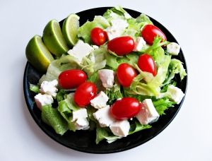 small-salad-with-lime-1294192-m (1)
